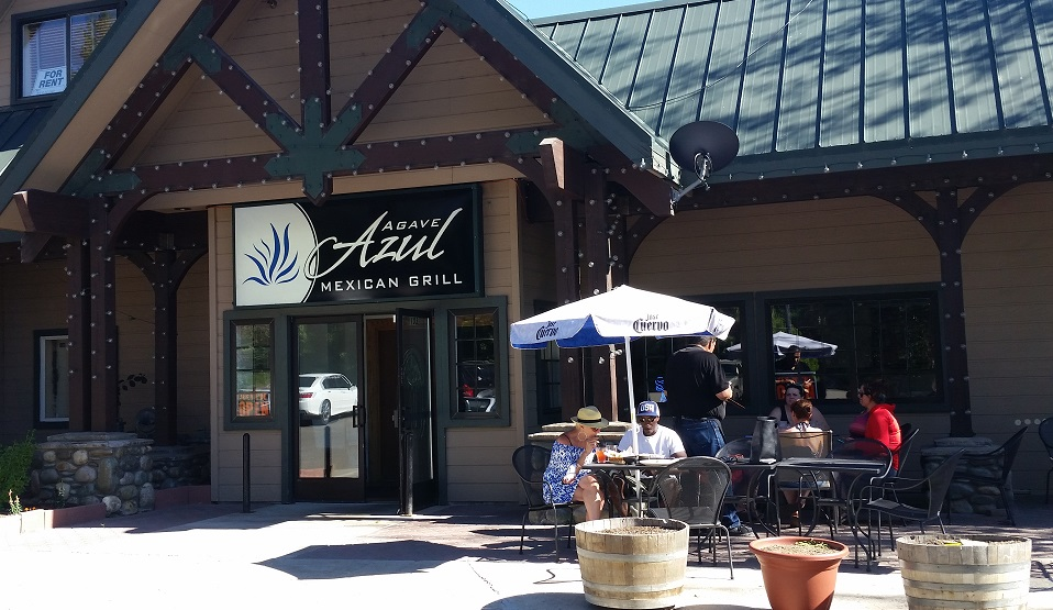 Azul Mexican Grill - Outdoor dining