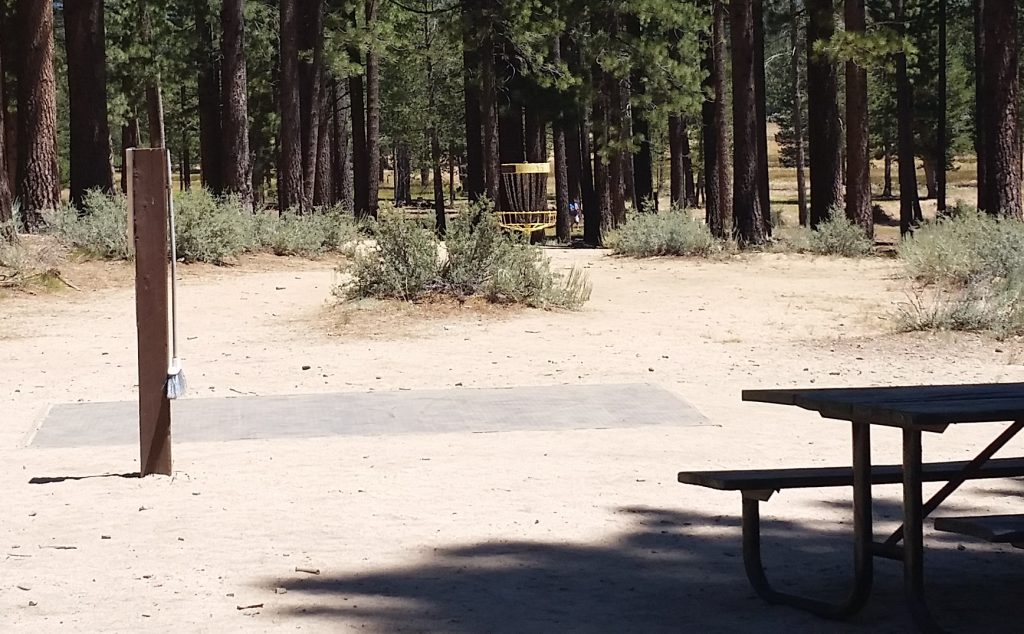 Lake Tahoe Disc Golf Courses - Bijou - picnic tables